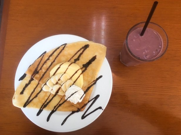 Harvest Cafeのスムージーとクレープ