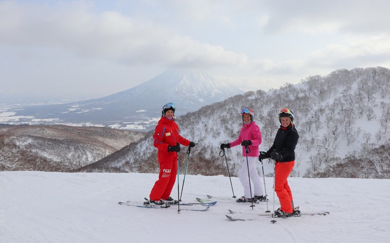 NISS Powder Room Womens Ski Lessons in Niseko