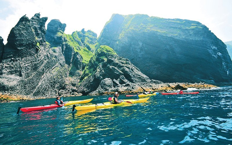 Hananzono niseko sea kayaking shakotan blue