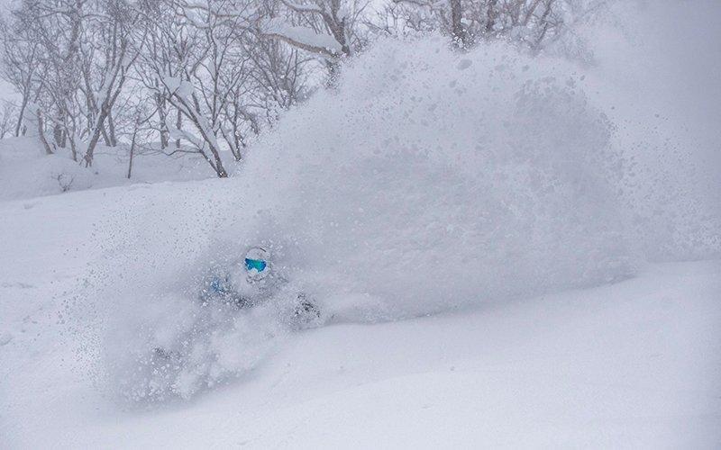 koji furuta deep niseko powder snowboarding