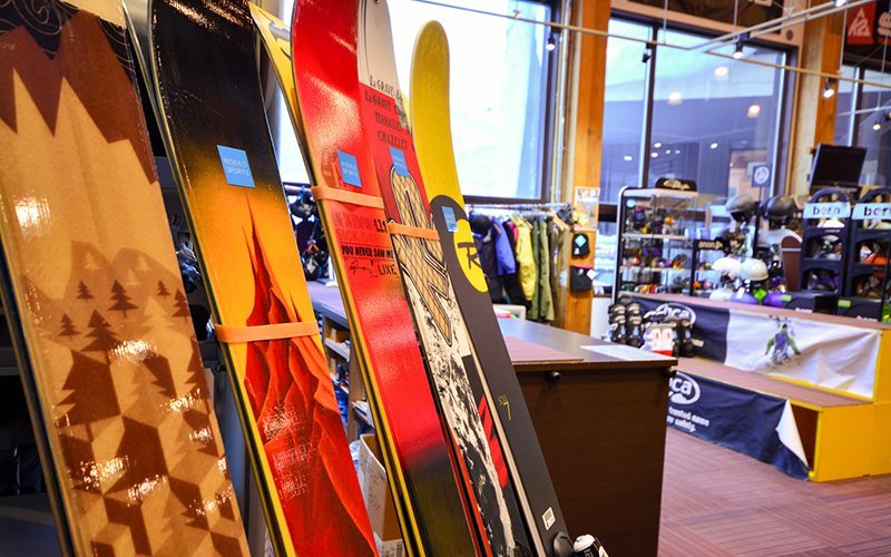 Niseko sports rental and retail shops fat skis