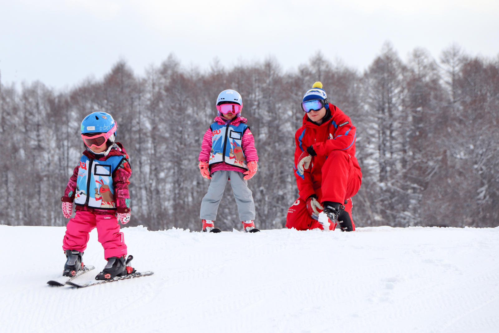 Children in Niseko Snowsports School Tic Tac Program