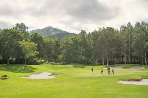 Photoshopped autumn niseko golf small